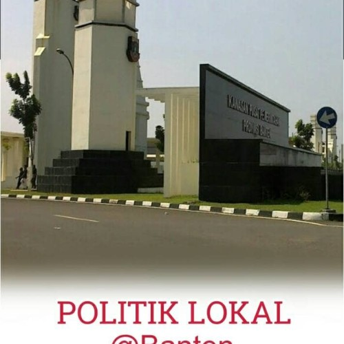Foto Produk Buku Politik Lokal @Banten: Sebuah Refleksi Demokrasi dari De'Alzena