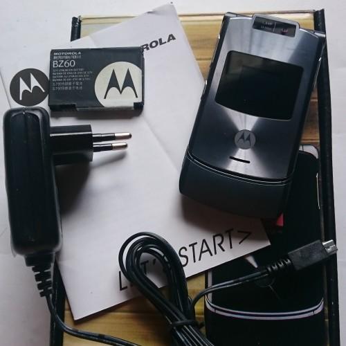 Foto Produk Motorola RAZR V3xx Grey - HP Jadul Original dari ADELINA MALL