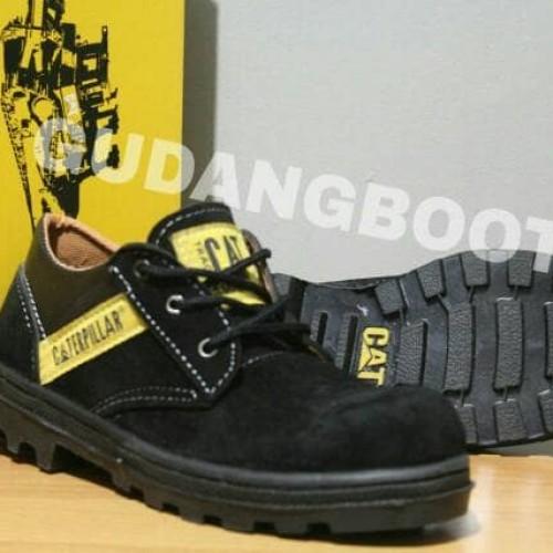Foto Produk sepatupria       BEST SELLER!!! Sepatu Caterpilar Low Boots Suede dari Bandungpro Store