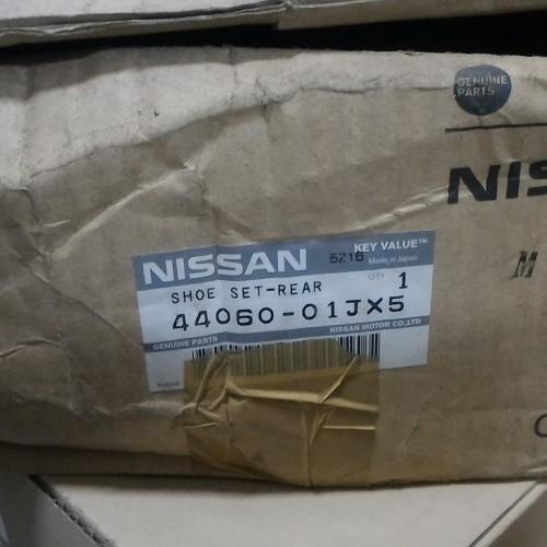 Foto Produk Brake Shoe PATROL Y60 LAMA TUA Kampas rem belakang 44060-01JX5/25 ORI dari Sparepart Nissan Genuine
