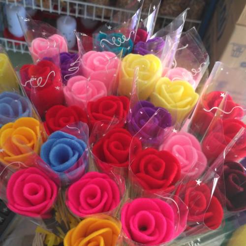 Foto Produk Bunga mawar tangkai flanel untuk souvenir dari Ria Florist