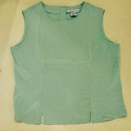 Foto Produk sleeveless blouse hijau muda - Hijau muda, L dari au'let