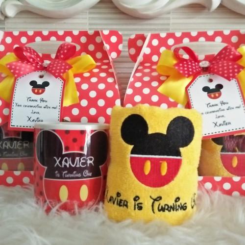Foto Produk Souvenir Mug Handuk/ Souvenir Ultah/ Towel/ Mug Custom/ Handuk Custom dari DD Hamper's