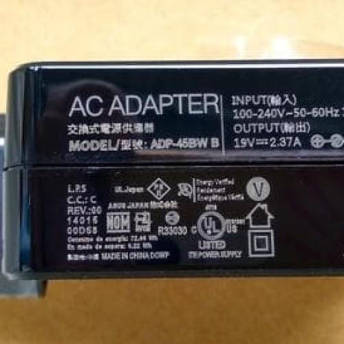 Foto Produk adaptor charger notebook laptop original Asus X425E 19v-2.37A Asus 19v dari LeoKomputer