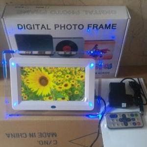 "Foto Produk Digital Photo Frame 7"" / 7 Inch High Quality Frame 7"" Terbaru Promoo dari LeoKomputer"
