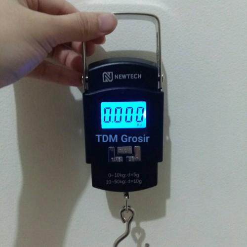 Foto Produk Timbangan Gantung Digital / Laundry / Koper portable 50kg Murah dari TDM Grosir