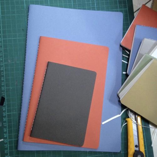 Foto Produk buku   notebook   polos   A4   jahit   custom   kado   handmade   unik - BP 72 POLOS, KRAFT dari Tat Tet Tot