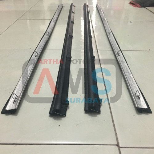 Foto Produk Pelipit list kaca moulding wheater Strip Taft GT depan 1set dari ARTHA MOTOR SURABAYA
