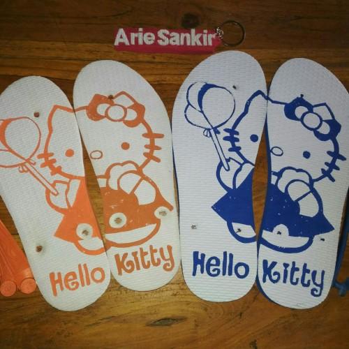 Foto Produk Sandal ukir hello kitty dari sandal ukir shop