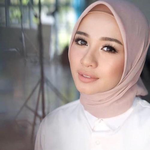 Foto Produk Hijab Jilbab Kerudung Segiempat Polos Bahan Pollycotton Bella Square dari Venjas Shop