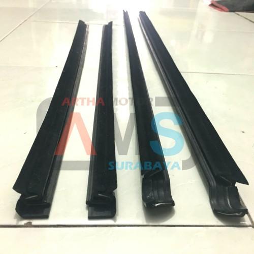 Foto Produk Karet pelipit list kaca wheater Strip Grandmax Grand max depan 1set dari ARTHA MOTOR SURABAYA