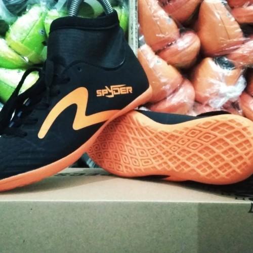 Foto Produk Sepatu Olahraga Futsal Anak Specs Spyder High Hitam List Oren GradeOri dari WNG Store