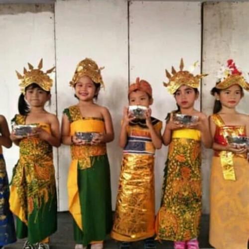 Foto Produk Baju adat bali anak perempuan + mahkota + rambut cemara dari Irwan busana