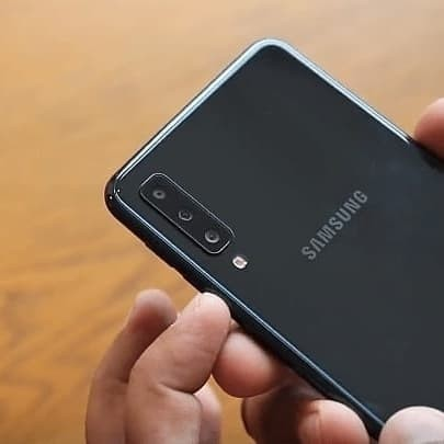 Foto Produk Samsung Galaxy A7 2018 Garansi Resmi Samsung Indonesia SEIN - Hitam dari BestnCheap