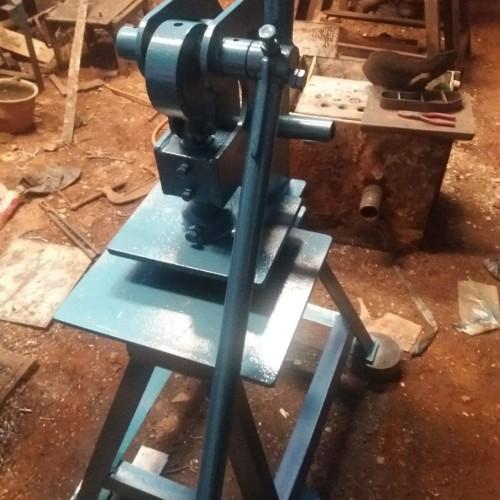 Foto Produk mesin plong pola besar ukuran custom dari CNC custom stamp