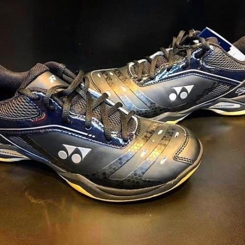 Foto Produk Sepatu Yonex SHB 65XM Full Black dari Lee Smash Sport