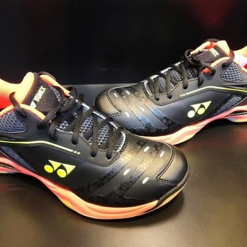 Foto Produk Sepatu Yonex SHB 65ZM Black/Bright Red dari Lee Smash Sport