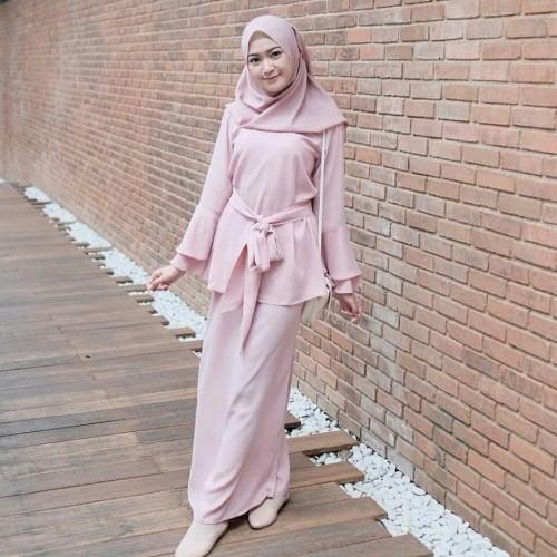 Foto Produk Magenta set 3 in 1 ( rok .atasan .hijab ) dari aljamshop
