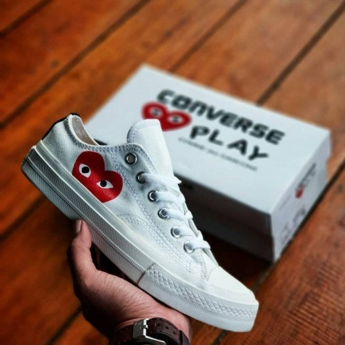 Foto Produk Sepatu Converse CDG Play White Unizex Sneakers Pria-Wanita Terbaru dari Side Sport