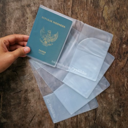 Foto Produk Cover Paspor - Cover Plastik Paspor - Cover Paspor Transparan dari Jejak Dolan