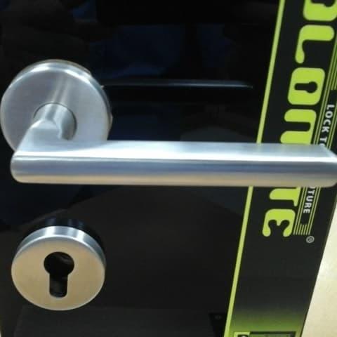 Foto Produk kunci pintu handle pisah / roses dari Dolomite Kunci Timur Pinangsia