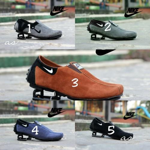 Foto Produk Sepatu Slip On Kulit Suede Nike Pria Slop Pesta Kantor Santai Terlaris - Hitam, 39 dari TOKO KICKERS 4