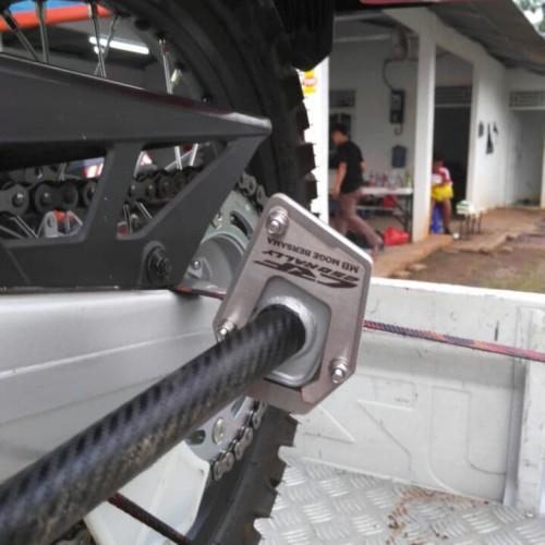 Foto Produk M15 Side Stand - Surface Expander CRF 250 L/Rally dari Thrill Bitz