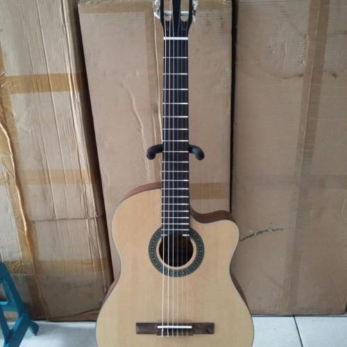 Foto Produk Gitar Classic Cowboy Original Warna Natural Murah Jakarta dari Hope Music Shop