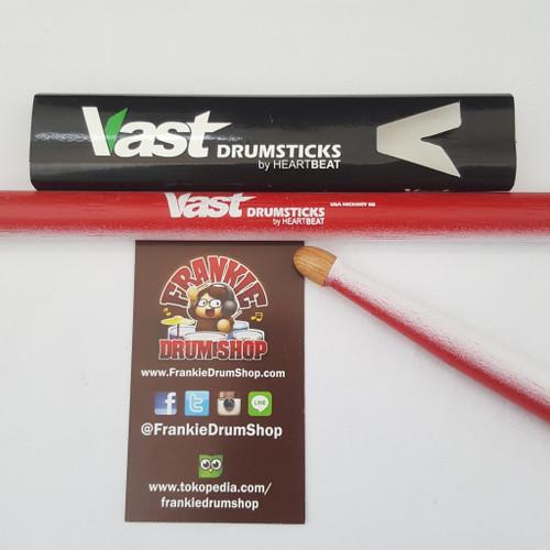 Foto Produk Vast V5BHACRW - 5B Acorn Tip Red White Stick Drum Vast by HeartBeat dari FrankieDrumShop