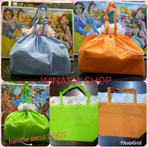 Foto Produk Goodie bag serut 22 x 22/tas berkat/tas serut dari winasia shop