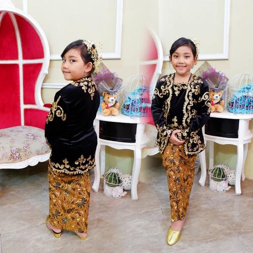 Foto Produk baju adat jawa bludru anak perempuan karnaval pawai kartinian - Bj Rok 4-10th dari request shop