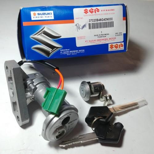 Foto Produk Kunci Kontak Skydrive Set Kunci Jok Original Suzuki dari Lestari Motor 2