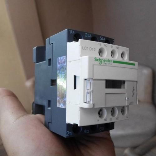 Foto Produk Schneider Electric/Telemecanique Kontaktor Contaktor LC1D12 / LC1D12M7 dari Bangkit Jaya Abadi