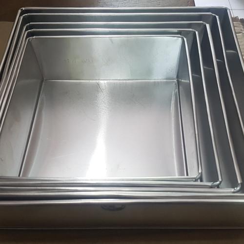Foto Produk Loyang Kotak / Loyang Kue Lapis / Loyang Bolu 20cm tinggi 7cm - 10cm dari bigstore_supplier