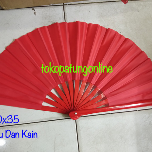 Foto Produk Kipas Tai Chi Bambu Merah Polos dari tokopatungonline