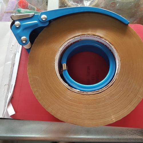 Foto Produk Tape Dispenser Besi / Tape Cutter Besi / Pemotong Lakban Besi Jumbo dari Dunia Tape
