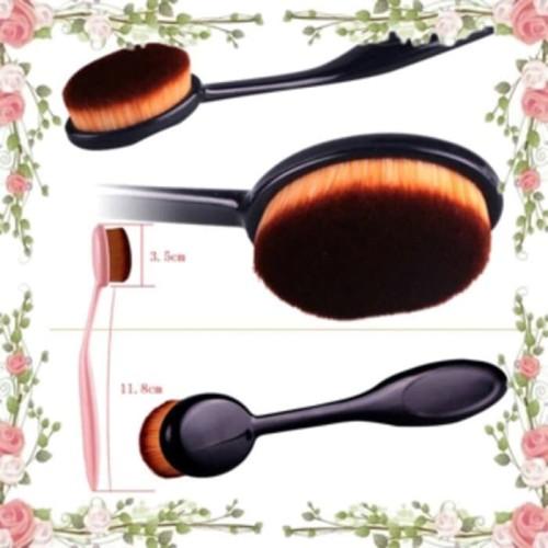 Foto Produk OVAL FOUNDATION FACE BRUSH ( make up brush ) dari angel-city