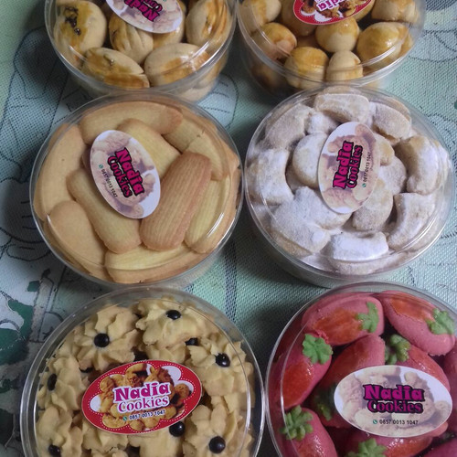 Jual Paket Kue Kering Lebaran Enak Murah Berkualitas Halal Kab Bantul Nadia Cake And Cookies Tokopedia