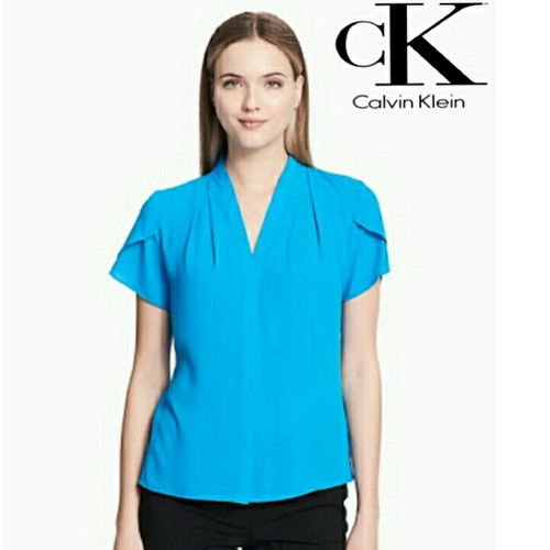 Foto Produk Blouse Wanita Calvin Klein Vneck Sleeve Top Blue Original dari OTOMO Store