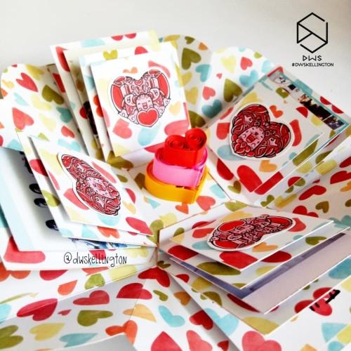 Foto Produk Kado Pop Up Explosion Box LOVE CAKE Hadiah Unik Pacar Anniversary dari Doodle Art DWskellington