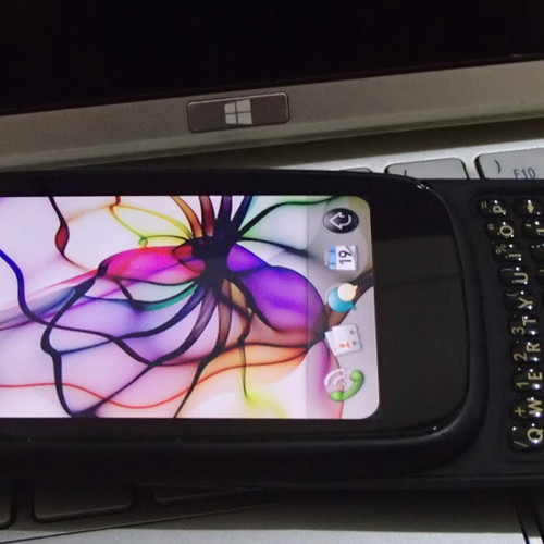 Foto Produk HP Palm Pre 3 Limited Edition dari Unles Media