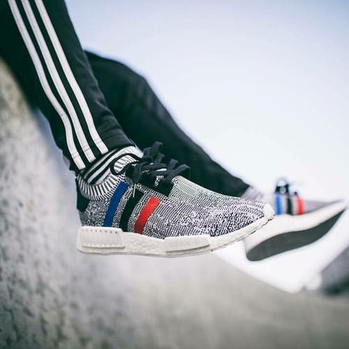 Foto Produk Sepatu Adidas NMD R1 PK TRICOLOR Grey Sneakers pria terbaru sports dari Side Sport