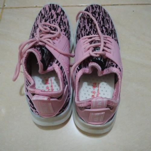Foto Produk Sepatu running cewek warna pink kombinasi hitam dari OBR Asesoris
