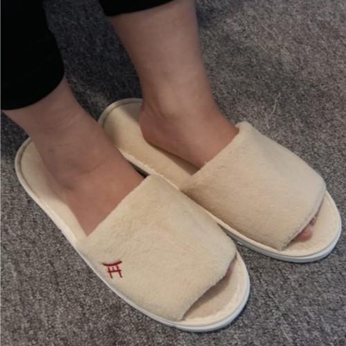 Foto Produk UCHII Home Room Slipper Rubber Fabric   Sandal Rumah Karet Bludru Krem dari uchii store
