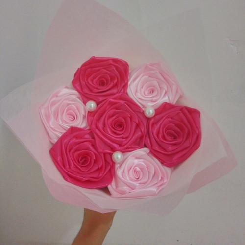 Foto Produk buket bunga satin handmade hadiah wisuda valentine ultah dari putria-
