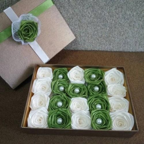 Foto Produk bunga satin/handmadeflower/ bunga wisuda/ bunga hadiah kado/bunga box dari putria-