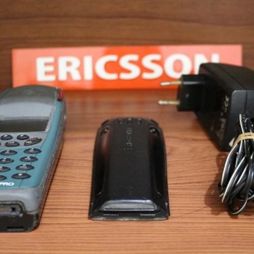 Foto Produk Handphone Jadul Ericsson R250s Pro Atau R250 Aka Ericsson Paus Outdoor dari BaBeQu Shop