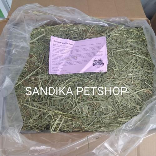 Foto Produk Makanan Kelinci WESTERN TIMOTHY HAY OXBOW REPACK 500 GRAM dari Sandika Petshop