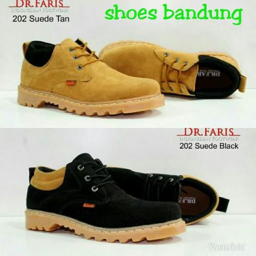 Foto Produk Sepatu Boots Mini Kulit Suede Pria Dr Faris Cat | Vans | Bally - Hitam, 39 dari TOKO KICKERS 4
