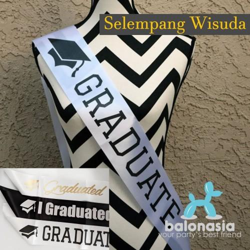 Foto Produk Graduation Sash Selempang Wisuda - htm tulisan pth dari Balonasia
